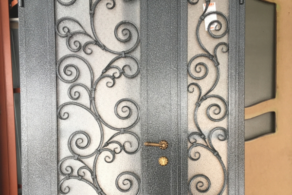 Входные металлические двери от производителя